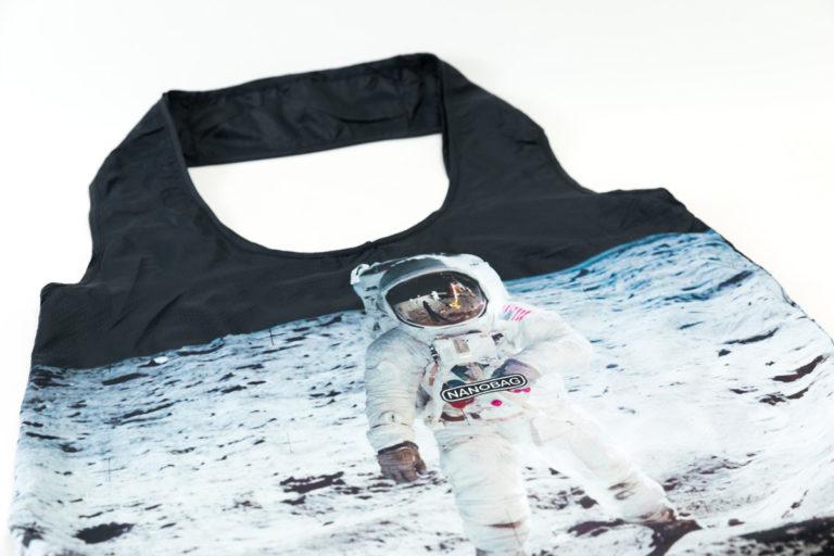 closeup-astronaut